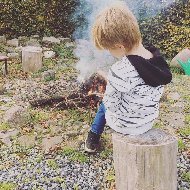 Felix passer bålet