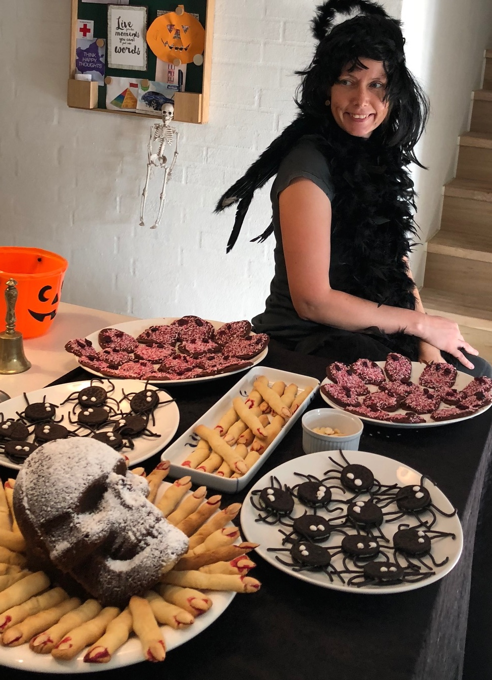 Halloween - kager og en sort engel