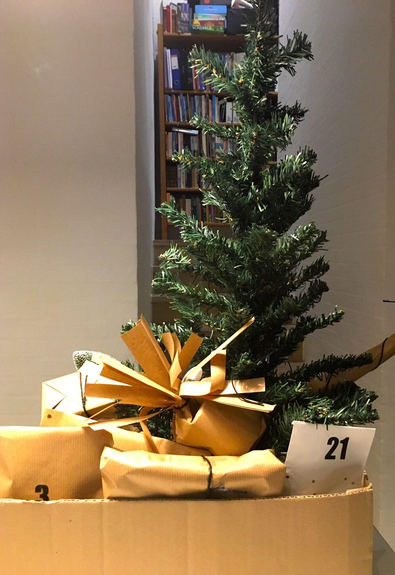 Juletræspakkekalender klar til afgang