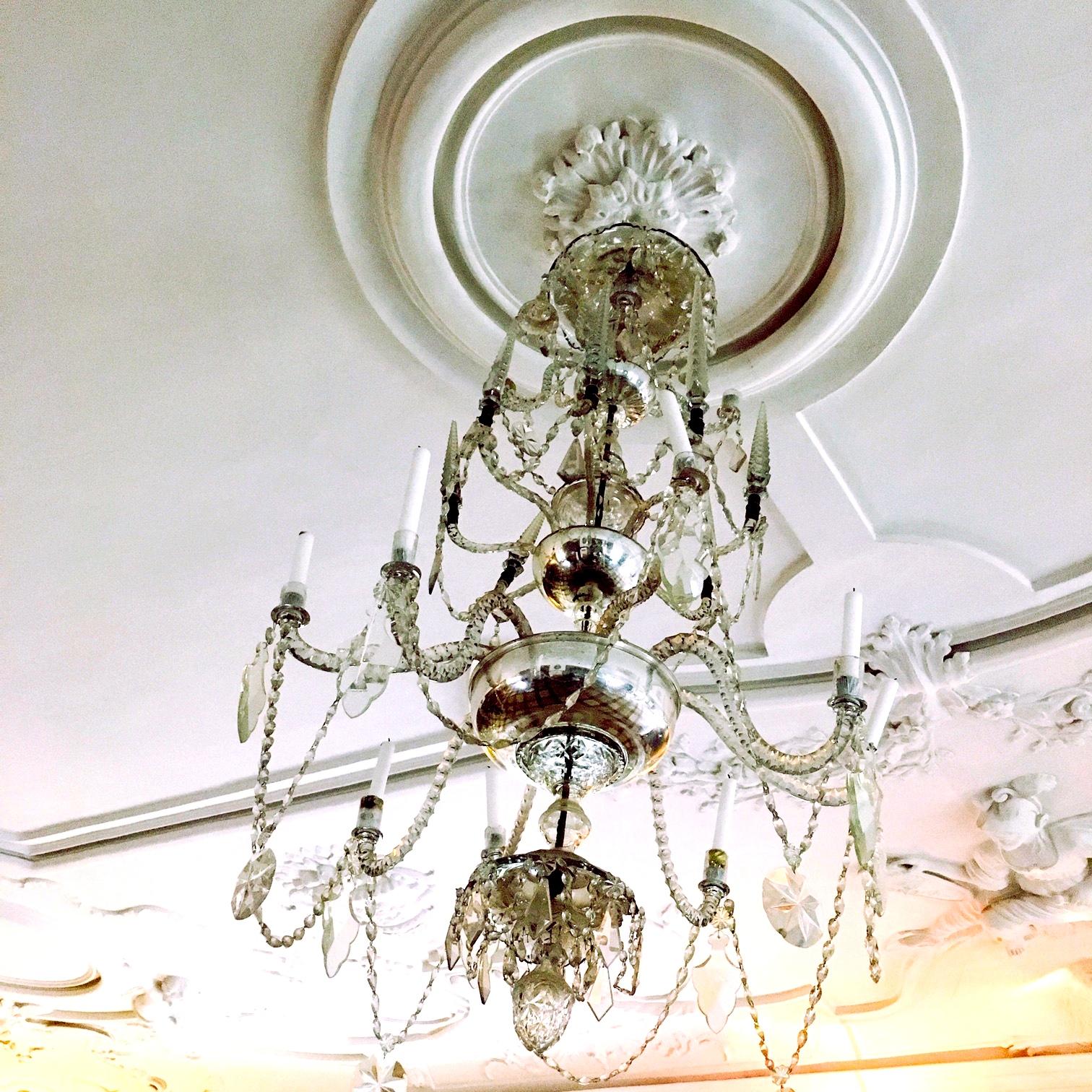 Lysekronen i riddersalen